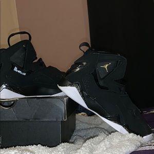 Jordan True flight Black & Gold